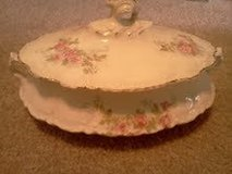 Homer Laughlin Casserole Dish w/ Lid in Belleville, Illinois
