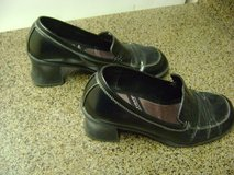 "Ladies Size 8 1/2 Comfy Stacked Heel Shoes By ""Predictions"" in Kingwood, Texas"